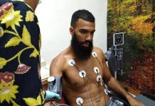 Sylvano Comvalius saat menjalani cek medis. foto : Instagram @aremafcofficial