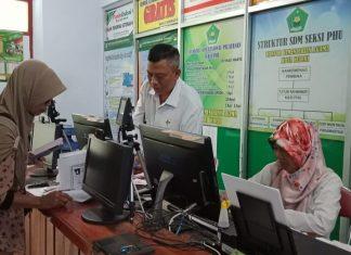 Proses pengurusan haji di Kantor Kemenag Kota Kediri