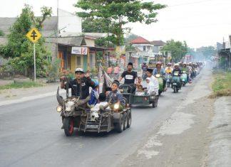 Puluhan anak yatim diajak berkeliling naik vespa
