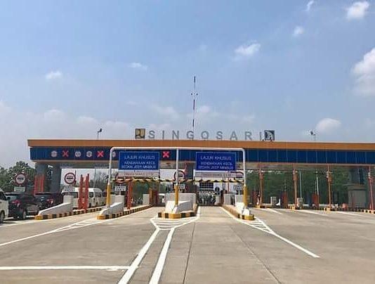 Salah satu pintu tol di Jawa Timur yang baru diresmikan. (Foto Istimewa)