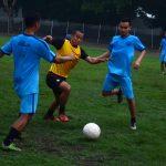 Wimba (kuning) mulai berlatih dengan pemain lain di St. Canda Birawa