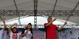 Arteria Dahlan dalam deklarasi ribuan masyarakat Tulungagung untuk mendukung Jokowi - Ma'ruf Amin