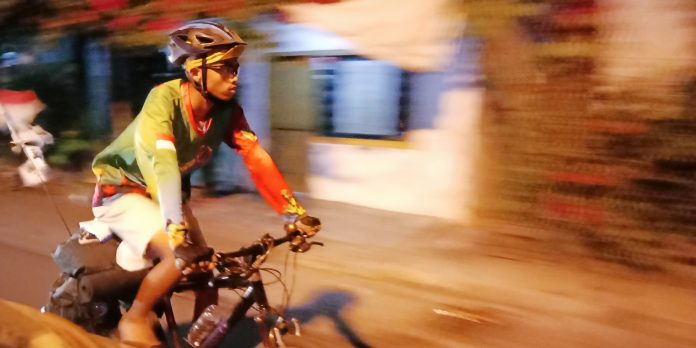 Achmad Muchlisyin dalam perjalanan memasuki Kota Kediri