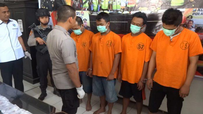 Empat Pengedar Ditangkap, Polisi Amankan 20 Gram Sabu dan Ribuan Pil Koplo