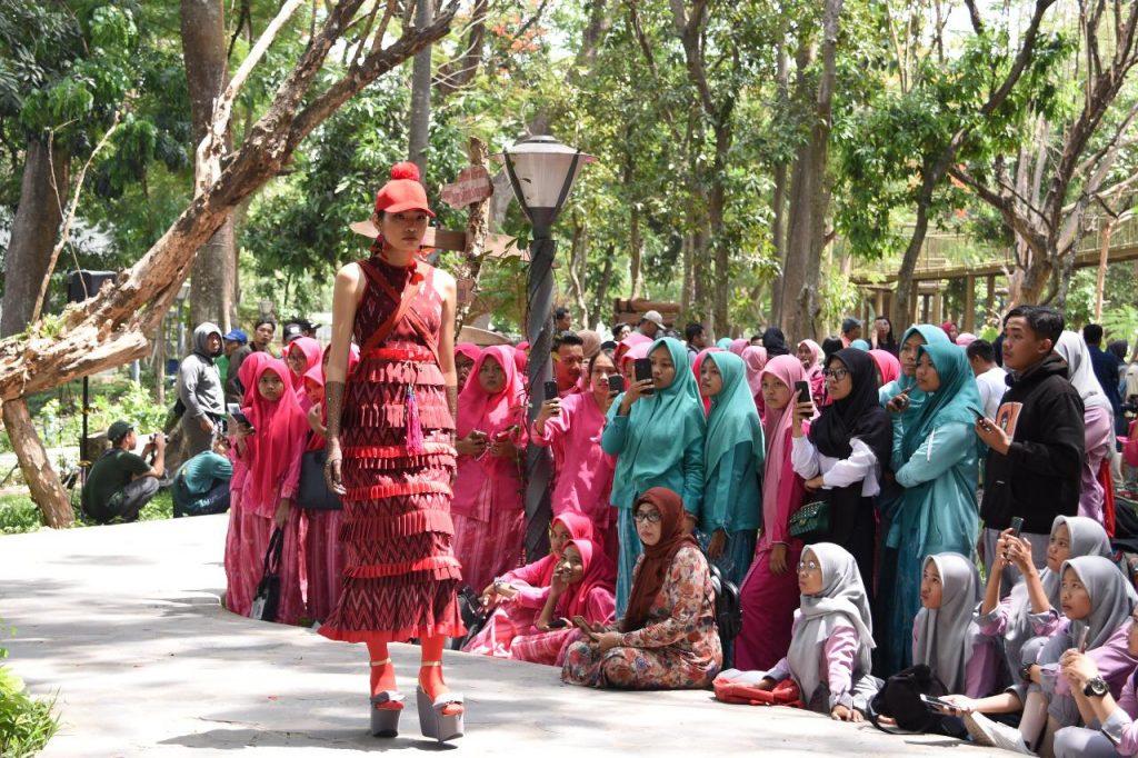 Dhoho Street Fashion
